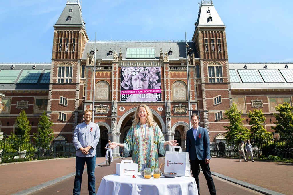 Mabel voor het rijksmuseum - AmsterdamOntbijt